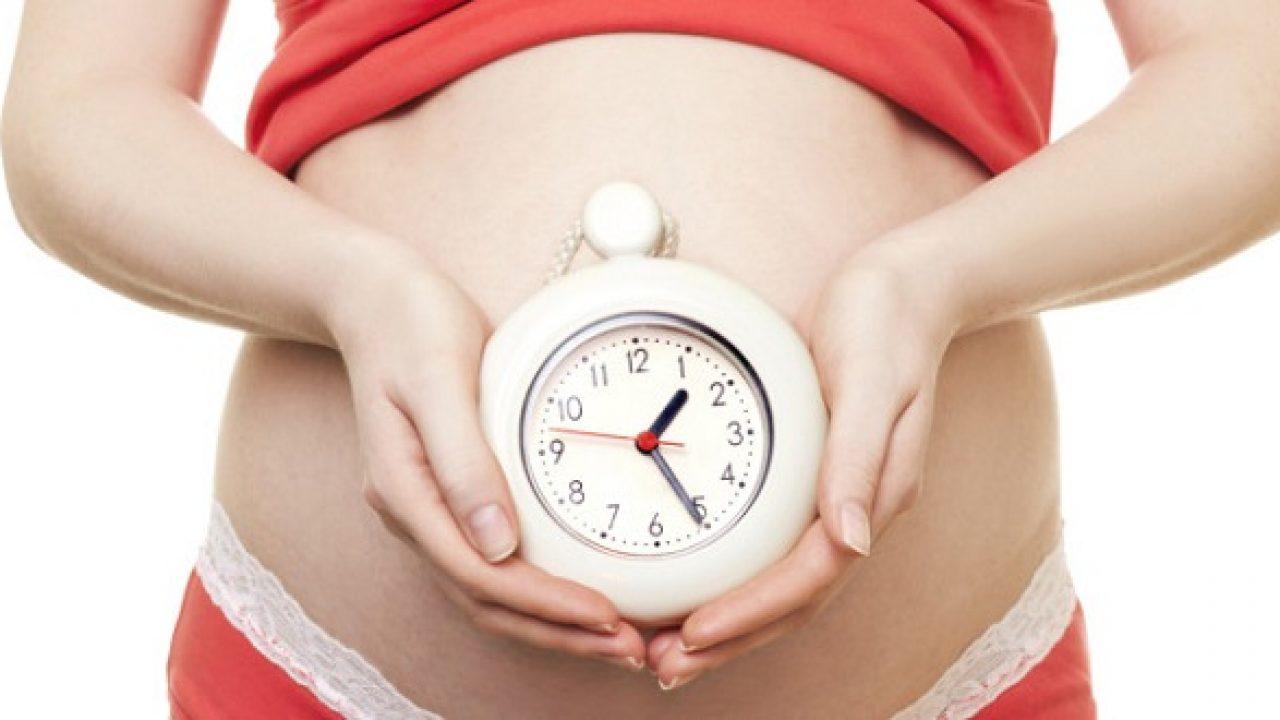Dựa theo sự co bóp của tử cung của mẹ sẽ dự đoán được đoán thời điểm chuyển dạ